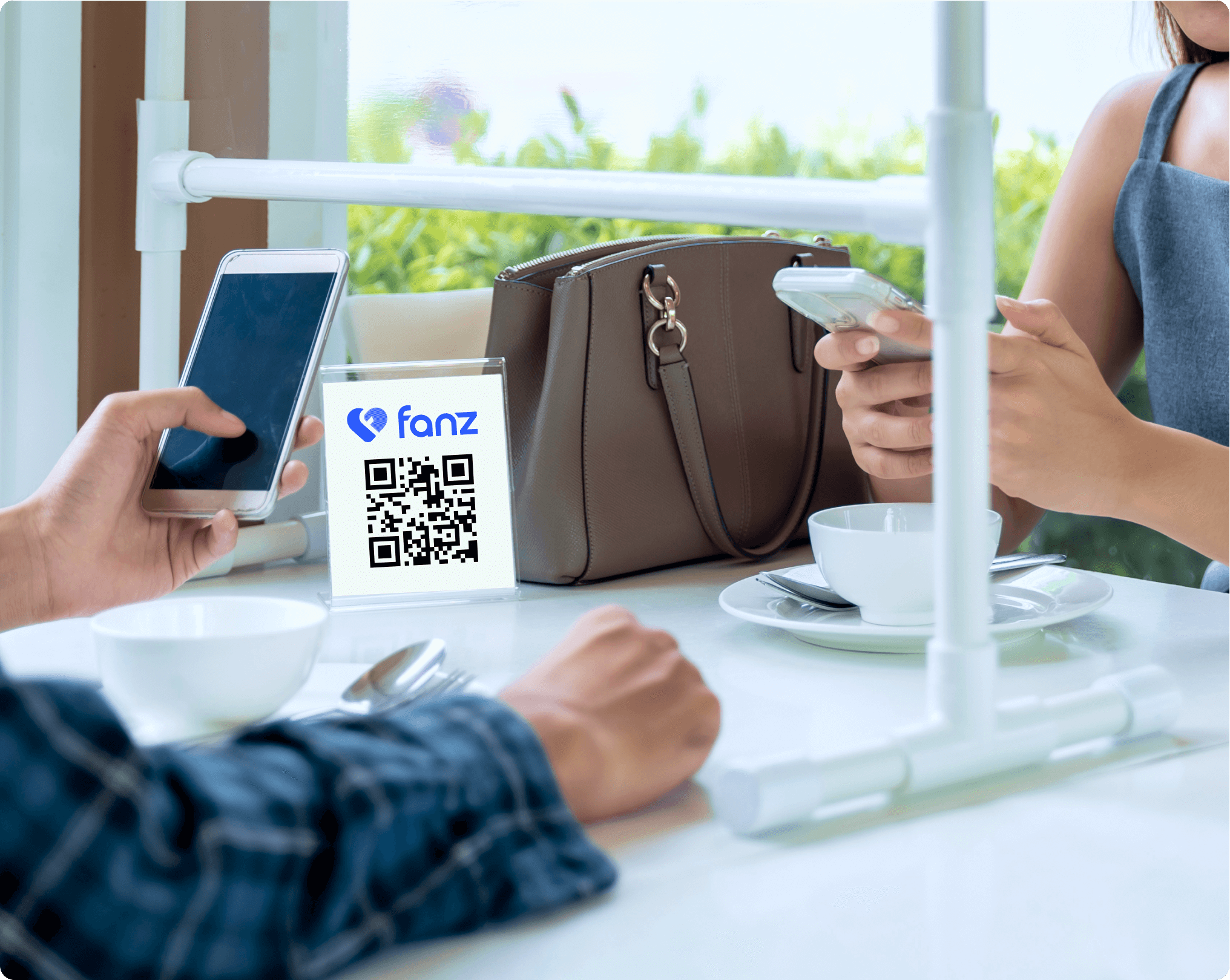 fanz-QRCode-table-stand